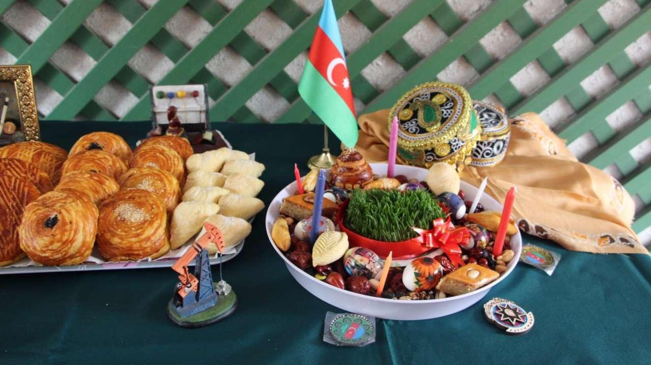 поздравления с праздником на азербайджанском группы